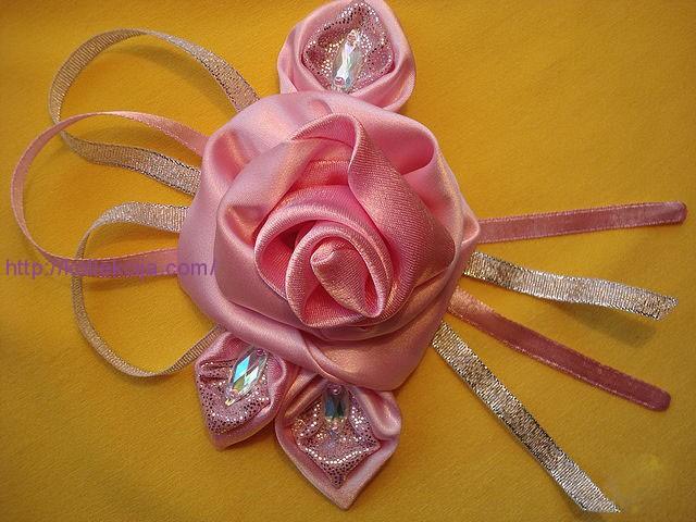Сделать розу из ткани своими руками