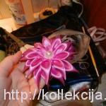 сделать цветок из атласной ленты
