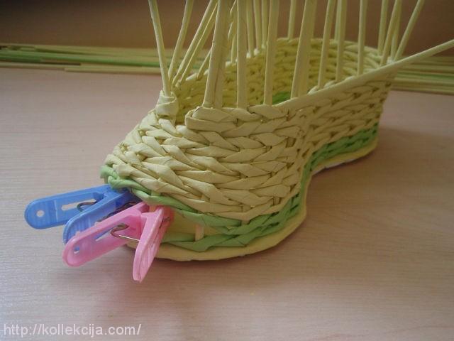 Плетение из газеты ботинок