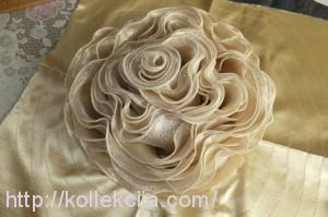 Подушка Роза из органзы