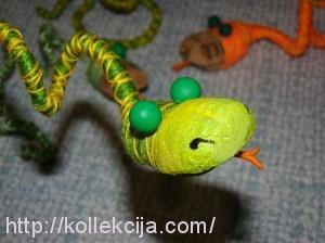 Змейка из ниток