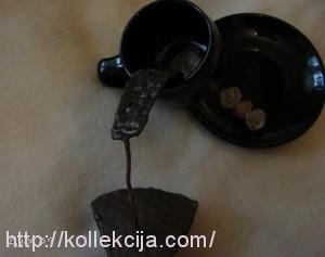 Летящая чашка кофе