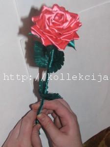 Цветок роза из лент