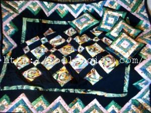 Стеганое лоскутное одеяло
