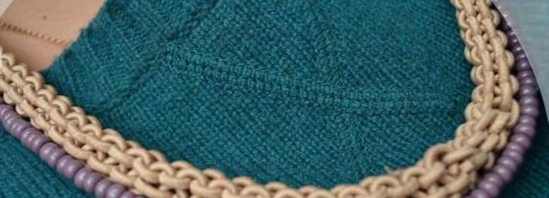 Плетеное колье