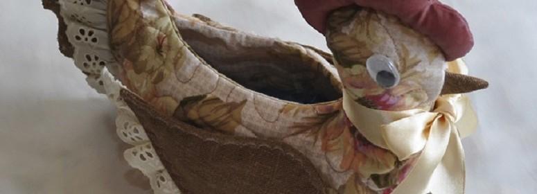 Курочка корзинка из ткани