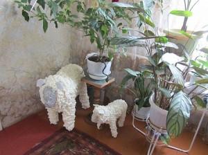 Садовые поделки из монтажной пены