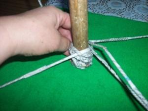 Идеи плетения из газет