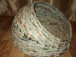 Плетение из газет - домик для кошки