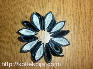 Объемные цветы из атласных лент