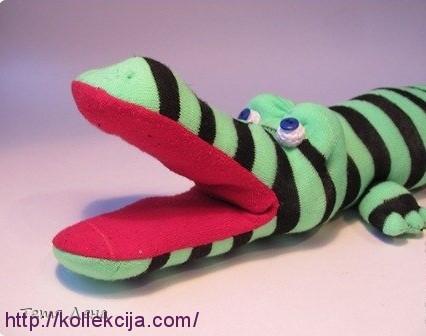 Крокодил из носков