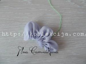 Пышный цветок из ткани