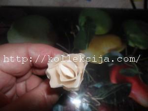 Роза из атласа своими руками