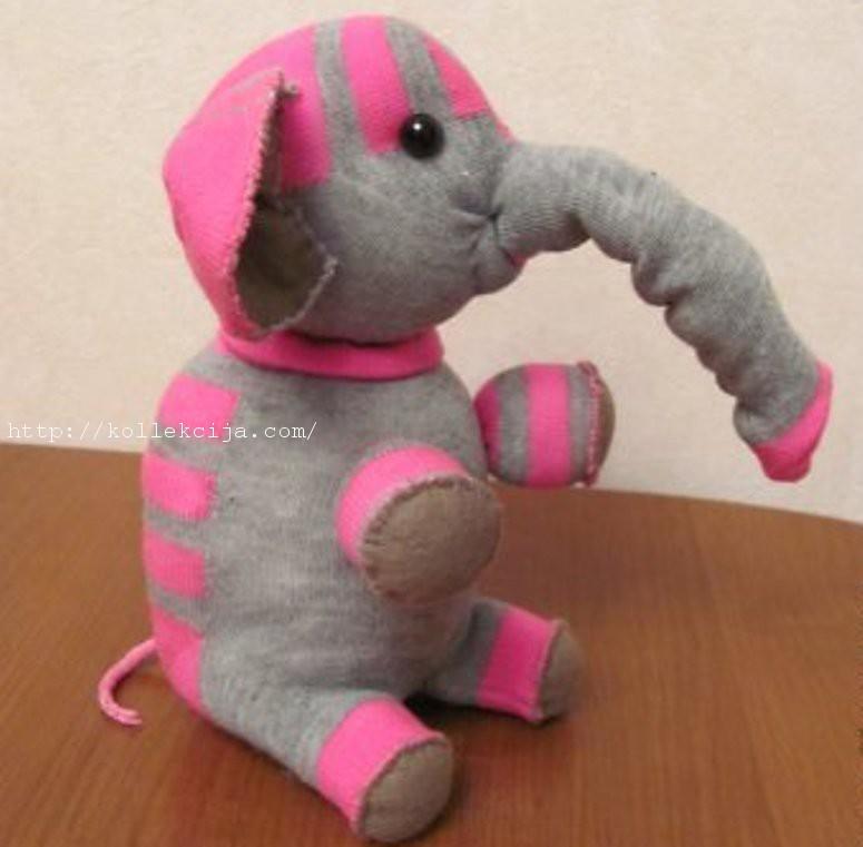 Слон из носков