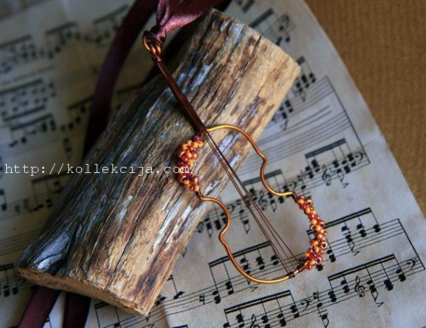 Брошь скрипка