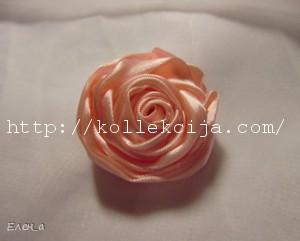 roza iz atlasnyh lent